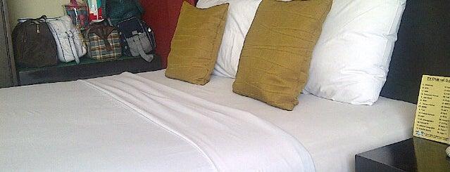 Hotel Grage Ramayana Yogyakarta is one of Hidayat'ın Beğendiği Mekanlar.