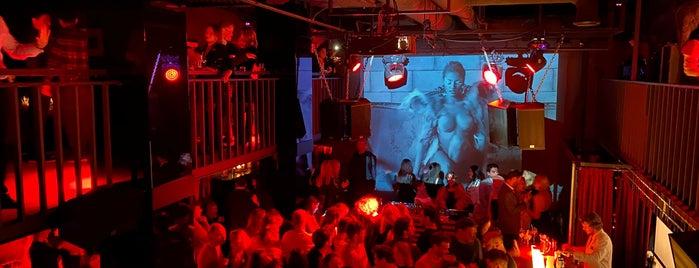 Kisa Bar is one of FN4: Night Club.
