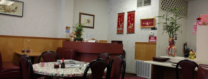 Happy Island Restaurant is one of Joshua'nın Beğendiği Mekanlar.