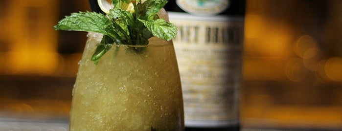 Gran Bar Danzón is one of El Experto de Brancaさんのお気に入りスポット.