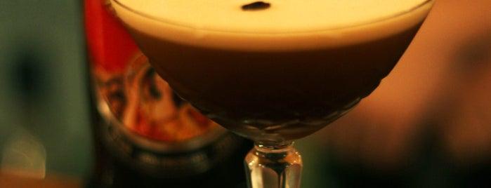Jackson's Resto Bar is one of สถานที่ที่ Pablo ถูกใจ.