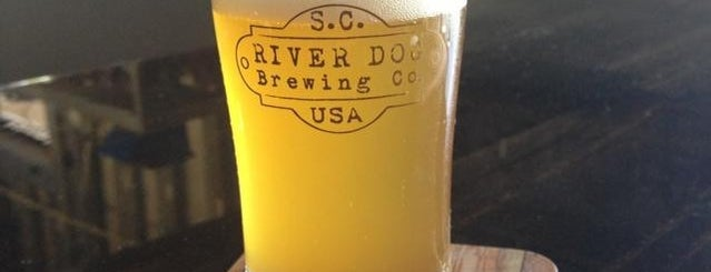 River Dog Brewing is one of Lugares favoritos de Greg.