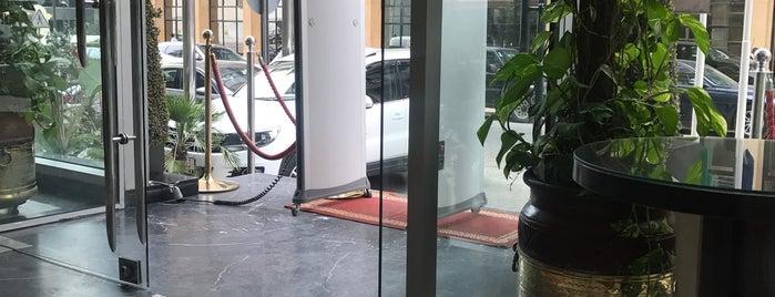 Business Hotel Casablanca is one of Lieux qui ont plu à Anton.