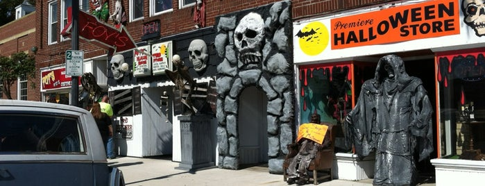 Foy's Costume Store is one of Gem City.