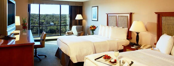 Holiday Inn Austin-Town Lake is one of Locais curtidos por Jenn 🌺.