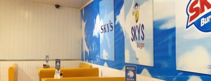 Sky's Burger is one of Tempat yang Disukai Rafael.