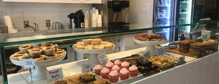 Tartine Bread & Pies is one of สถานที่ที่ Juan jo ถูกใจ.