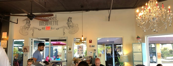 Sweet Brewnette Cafe is one of FL.
