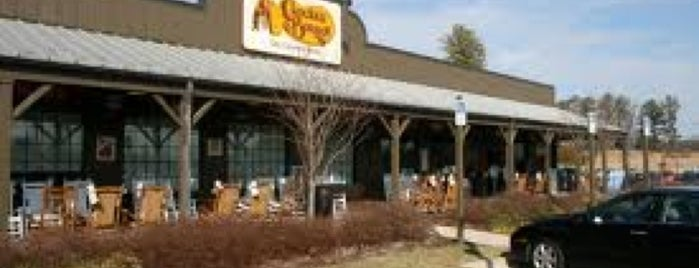 Cracker Barrel Old Country Store is one of Lugares favoritos de Manolo.