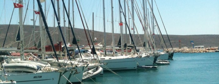 Port Alaçatı is one of Outdoor,Festival/Area,Beach,Hotel,Show Center etc..