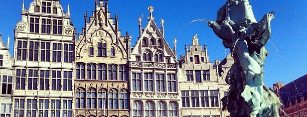 Grote Markt is one of Done FB.