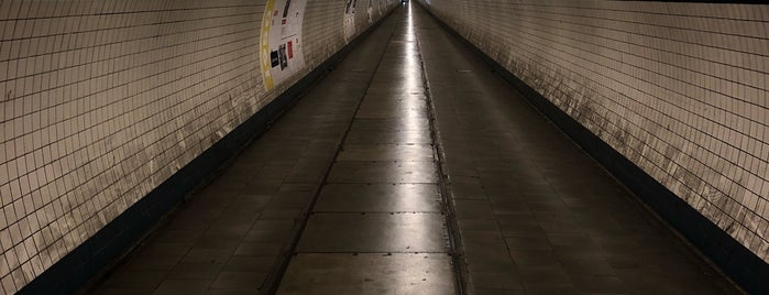 Sint-Annatunnel is one of Lugares favoritos de Stanislav.