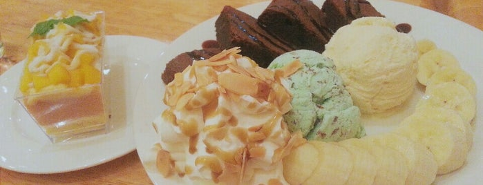 TRINITY Bakery & Pâtisserie is one of KKU food.