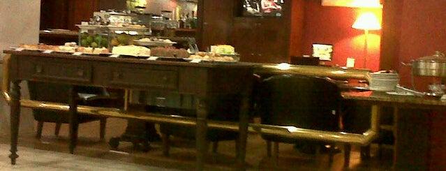 Hotel Embaixador is one of Posti che sono piaciuti a Amanda.