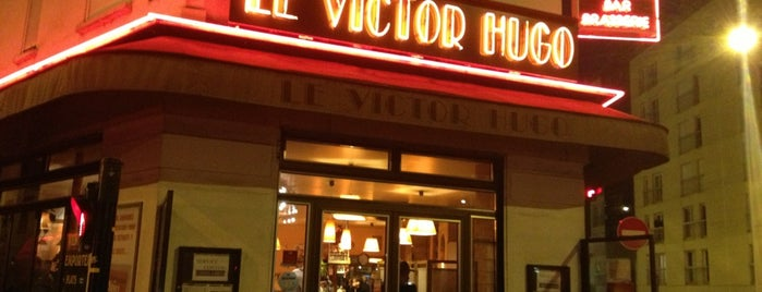Le Victor Hugo is one of Lugares favoritos de Arthur.