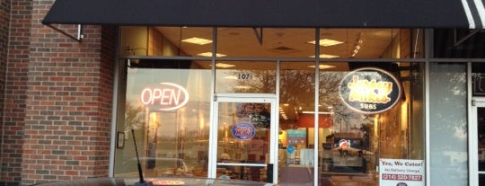 Jersey Mike's Subs is one of Lieux qui ont plu à Brian.