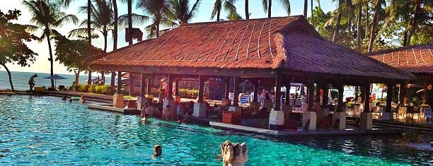 Swimming Pool Intercontinental Bali Resort is one of Fusun'un Beğendiği Mekanlar.