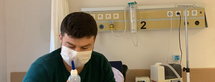 Kaş Devlet Hastanesi is one of Posti che sono piaciuti a Yusuf.