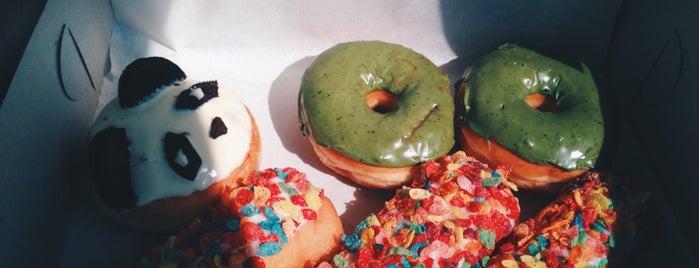 California Donuts is one of Orte, die Mimi gefallen.