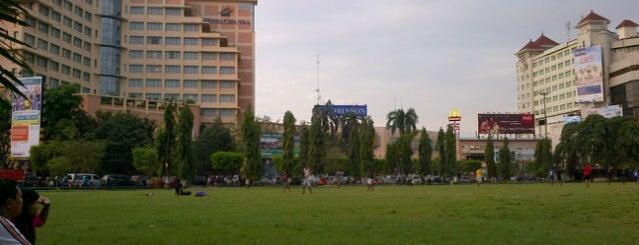 Simpang Lima is one of Medan-Jekarda-Semarang-Jekarda-Medan.