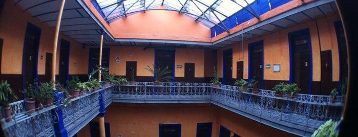 Hotel Isabel is one of สถานที่ที่บันทึกไว้ของ Ana.