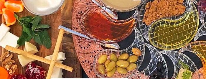 Mistral İzmir is one of Locais curtidos por ♠️Eda♠️.