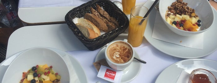 À la Maison - Breakfast & Brunch is one of Budapest.