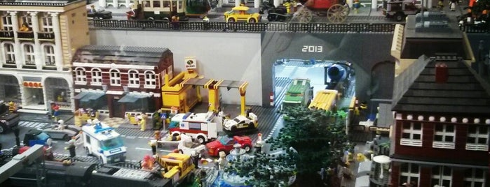 GameBrick. музей-выставка моделей из кубиков LEGO is one of St. Petersburg.