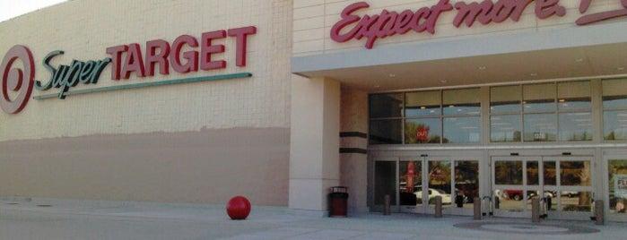 Target is one of Tempat yang Disukai Daniel.