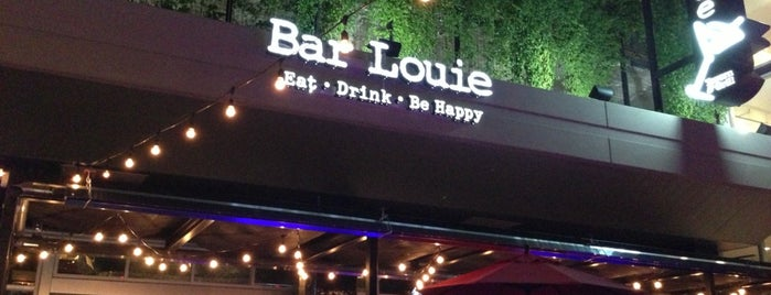 Bar Louie is one of Locais curtidos por Brooke.