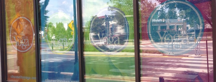 YogaWorks Towson is one of Lugares favoritos de Krissy.