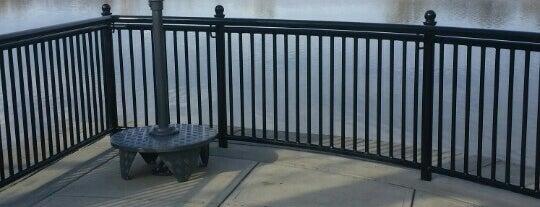 Halfmoon Lighthouse Park on the Hudson River is one of Orte, die Nicholas gefallen.