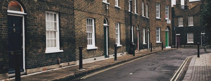 Roupell Street is one of London.