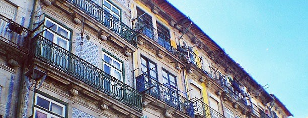 O Caraças is one of Porto.