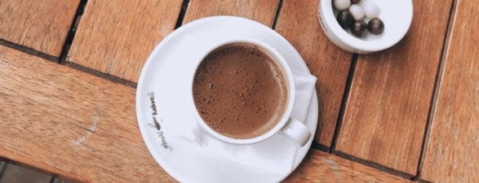 Gönül Kahvesi is one of Locais curtidos por KARAGÜLLEOĞLU.