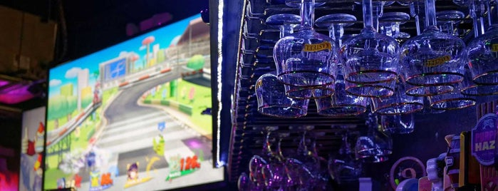 Player 1 Video Game Bar is one of Level up Your Drinking at These 15 Bar-Arcades.