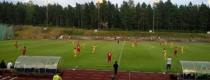 Vuosaaren Urheilukenttä - Heteniityn Kenttä is one of Orte, die Dmitriy gefallen.