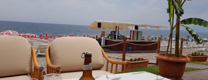 Beach Park Plajı Antalya is one of Locais curtidos por Şebnem.