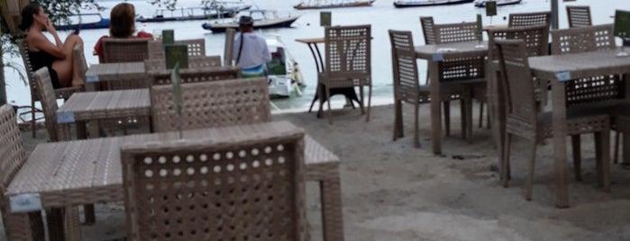 Pesona Restaurant & Sheesha Lounge is one of Lugares favoritos de Jennifer.