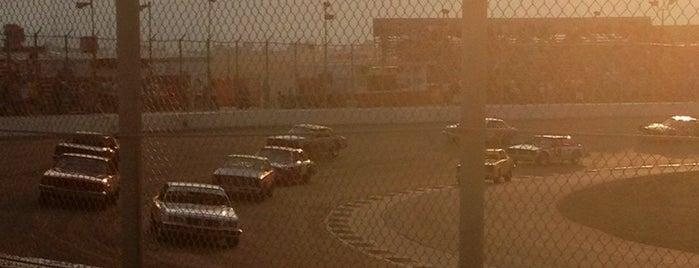 Colorado National Speedway is one of Ryan'ın Beğendiği Mekanlar.