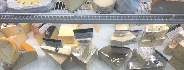 Artisan Cheese Company is one of Tempat yang Disukai Sharon.