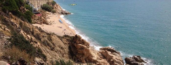 Platja Sota Les Torretes Calella is one of Playa/Montaña.