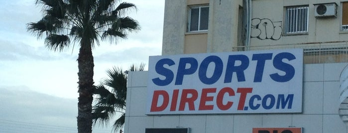 Sports Direct is one of Locais curtidos por Bego.