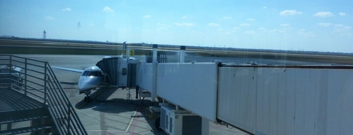CRP Gate 5 is one of Airport spots!.