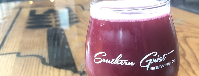 Southern Grist Brewing Company is one of สถานที่ที่ Cole ถูกใจ.