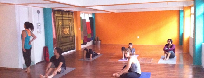 Power Flow Yoga is one of Ocio DF.