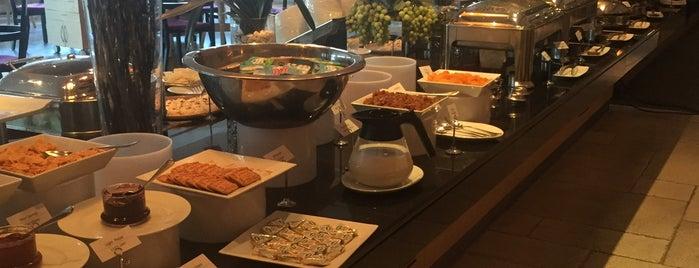 Cosy Restaurant is one of Fatih : понравившиеся места.