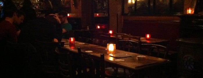 l'Estaminet is one of Bruges bars.