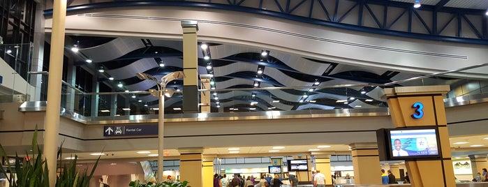 Huntsville International Airport (HSV) is one of Tempat yang Disukai George.