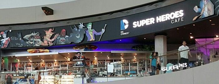 DC Comics Super Heroes Cafe is one of Tempat yang Disukai George.
